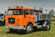 Commercial Vehicle, Classic Trucks, Cars And Motorcycles, Techno, Vintage Cars, Cool Cars, Transportation, Vehicles, Design