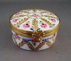 468 hinged Limoge Box Ceramic Art