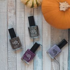 Trick or #treatyoself to a fresh manicure with our Gel Finish 7-in-1 Nail Enamel. www.youravon.com/tbeasley #ManiMonday 🎃💅🏻😍