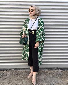 Likes, 15 Comments - ⠀⠀⠀⠀⠀⠀⠀⠀Faith Bd & Haifa Lz🇹🇳 (. Modern Hijab Fashion, Street Hijab Fashion, Muslim Fashion, Modest Fashion, Fashion Outfits, Casual Hijab Outfit, Hijab Chic, Hijab Dress, Casual Hijab Styles