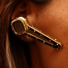 Most expensive Bluetooth headset – $50,000 Plantronics Discovery 925 Plantronics brings you one of the most 'blinged up and pimped out' limited edition gold and diamond encrusted Bluetooth headset. Of course make sure that your wallet has a spare $50,000 for this shiny device. When, I say limited edition, I really mean it because there's only one version made of the Discovery 925.