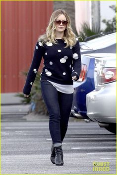 Hilary Duff: 'Raising Hope' Set! | hilary duff raising hope set 05 - Photo Gallery | Just Jared