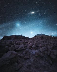 Goblin Valley, Utah. — Goblin Valley State Park.Goodnight,Earthlings! Credit photo: Jaxson Pohlman Photography Via: https://www.facebook.com/jaxsonpohlmanphotography/photos/a.693556360780722.1073741829.657012977768394/1083884025081285/?type=3&theater