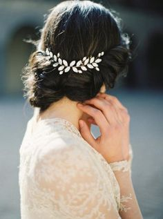 #floralhairaccessory #brownhair #elegant #updo