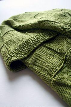 Basketweave knit baby blanket. Love Love Love!!! PINK or WHITE!? ;-)