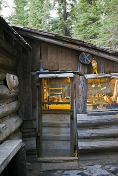 Elk Lake cabin, Oregon