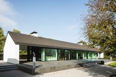 Modern villa in the Netherlands. Architect: De Jaeghere Architecture