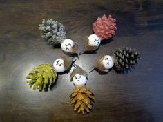 Fall crafts for kids: Pinecone figures - Our Swiss experience Fall Crafts For Kids, Craft Projects For Kids, Diy For Kids, Kids Crafts, Advent, Pine Cones, Natural Materials, Album, Craft