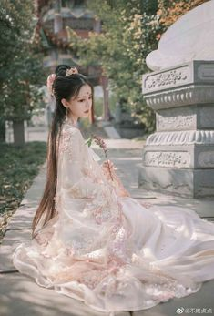 Traditional Fashion, Traditional Dresses, Chinese Clothing, Chinese Dresses, China Girl, Japanese Kimono, Japanese Geisha, Hanfu, Asian Fashion