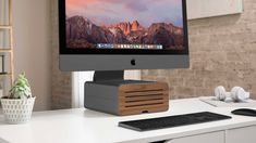 Twelve South releases new slick HiRise Pro stand for iMac and iMac Pro Iphone 32gb, Buy Iphone, Thunderbolt Display, Tech Branding, Gold Apple Watch, New Ipad Pro, New Macbook, Apple Laptop, Shopping Websites