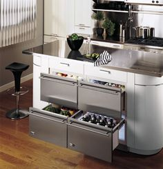 32 Undercounter Refrigerator Drawers Have Lately Become Increasingly Popular in Modern and Contemporary Kitchens New Kitchen, Kitchen Dining, Kitchen Decor, Kitchen Cabinets, Compact Kitchen, Island Kitchen, Updated Kitchen, Wolf Kitchen, Kitchen Ranges