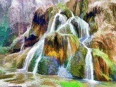 Lanjee Chee - Summer view of beautiful waterfalls