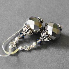 Gray+Earrings++Beaded+Drop+Earrings++Dangle+par+MyDistinctDesigns,+$21.00