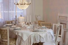 tablesetting+with+white+pumpkins.jpg (1600×1066)