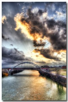 Cumberland River Pedestrian Bridge in Nashville, Tennessee | First sunrise of the year ! by Scott ONeal