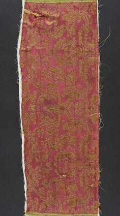 Textile Fragment Spain, 1575-1600 Textiles; fragments Silk and linen lampas (brocatelle) 8 x 22 in. (20.32 x 55.88 cm) Museum Patrons Association (M.44.3.47)
