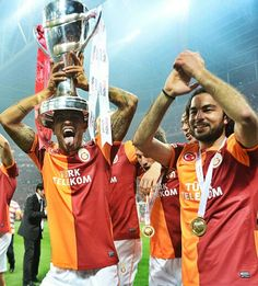 Selçuk Inan and Felipe Melo. Champion Galatasaray !
