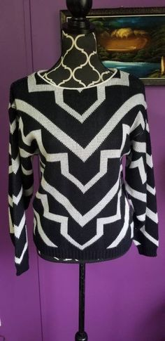 Vintage 70s Black   White Sweater Abstract Print size Small Ladies Jumper    Pullover. Vintage Fall ... b629d9afc
