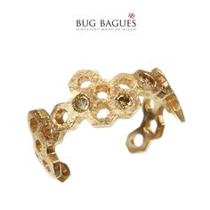 Bug Bagues is a collection of 'midi' rings, precious and beautifully crafted in gold 18 kt, diamonds, rubies and sapphires, small tiny insects and their home. Midi Rings, Sapphire, Bee, Brooch, Gold, Diamonds, Beauty, Jewelry, Ring