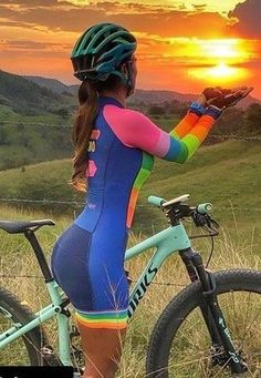 As a beginner mountain cyclist, it is quite natural for you to get a bit overloaded with all the mtb devices that you see in a bike shop or shop. There are numerous types of mountain bike accessori… Bike Style, Motorcycle Style, Cycling Girls, Bicycle Girl, Biker Girl, Cycling Outfit, Cycling Clothes, Bike Seat, Sport Girl