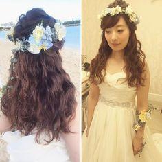 アレンジを加えたウェーブ仕上げのダウンスタイル オシャレなリストレットとのトータルコーディネートが最高に素敵でした #hawaii#hairmake#hairarrange#makeup#weddinghair#hawaiihairmake#weddingphoto#photoshooting#TerraceByTheSea#TheTerraceByTheSea#53ByTheSea#TAKAMIBRIDAL#テラスバイザシー#タカミブライダル#ハワイウェディング#ハワイヘアメイク#ウェディングヘア#ヘアメイク#ヘアスタイル#ヘアセット#ヘアアレンジ#花嫁#プレ花嫁#オシャレ花嫁#ウェディング#美容師#波ウェーブ#花かんむり#リストレット