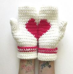 Secret Heart mittens by Steel Stitch