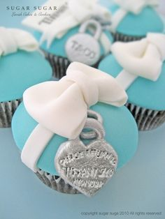 How cute is this.  Maybe for Daisy's Sweet 16.