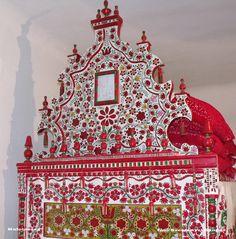 """Sándorház Tornyos ágy című képe az Indafotón. Kalotaszeg, tornyos ágy. Megjelent a """"Magyar Trikolór Tizenkét Hónapja"""" 2013 évi naptárában. """"július"""" hónap képe ! fotó:SzeSa Sándorház"""