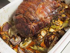 Roast Beef with Apple Onion Gravy Onion Gravy, Roasts, Roast Beef, Healthy Dinner Recipes, Pork, Apple, Meat, Pork Roulade, Carne Asada