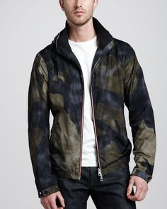 http://nutweekly.com/moncler-packable-hooded-camo-jacket-p-2586.html