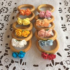 Cheap Home Decor, Diy Home Decor, Diy And Crafts, Arts And Crafts, Napkin Folding, Diy Projects To Try, Flower Making, Happy Easter, Napkin Rings