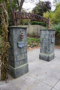 2013 Prop How-To: Cemetery Gate Entrance