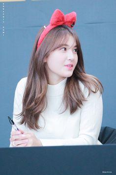 Kpop Girl Groups, Kpop Girls, Jeon Somi, Looking Forward To Seeing, Korean Actors, Idol, Singer, Cute, Women