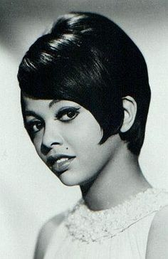 Tammi Terrell sang with Marvin Gaye, they had great musical chemistry. Listen to the ballad : Ain't No Mountain High Enough, oh what a song! Music Icon, Soul Music, Tammi Terrell, The Ventures, Tamla Motown, Vintage Black Glamour, Vintage Style, Marvin Gaye, Black Celebrities