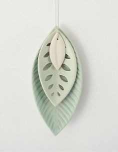 I think this could be done in polymer and would look lovely. Ceramic 3 Leaf Set - Reneé Boyd