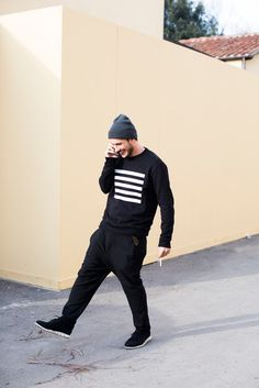 The latest men's street style photographs and trends for Our photographers snap the best-dressed real men from across the globe. Dark Fashion, Fashion Art, Love Fashion, Winter Fashion, Mens Fashion, Fashion Outfits, Men Street, Street Wear, Men's Street Style Photography