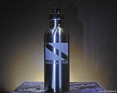 This etched brushed stainless steel bottle is for you, or for the scuba instructor in your life that has everything. You are looking at ONE etched stainless steel bottle. It has a Scuba Dive Flag and Stainless Steel Water Bottle, Brushed Stainless Steel, Gifts For Husband, Gifts For Him, Etched Gifts, Gifts For Scuba Divers, Dive Flag, Diving Wetsuits, Scuba Diving Gear