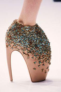 Alexander McQueen -Art- (Mulig maraton er utelukket her..) Artig bilde :)