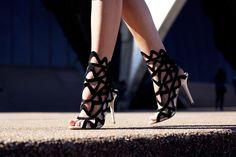 TuulaVintage.com, Jessica Stein wearing Sophia Webster heels