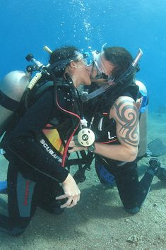 getting married underwater? contact Red Sea Diving College!