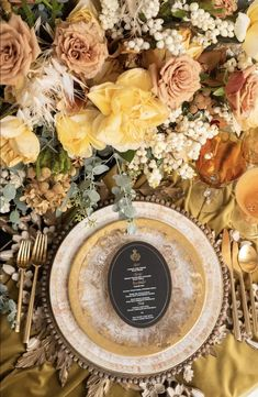 La Tavola Fine Linen Rental: Velvet Curry | Photography & Rentals: Posh Couture Rentals