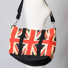 Cheer on Ryan Giggs, the captain of the British soccer team, in this Team London tote.