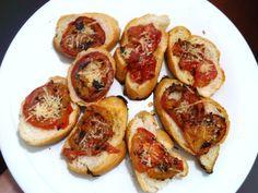 cookingpapa!: Brusquetas de tomate y parmesano. http://elcookingpapa.blogspot.com/2012/07/brusquetas-de-tomate-y-parmesano.html#