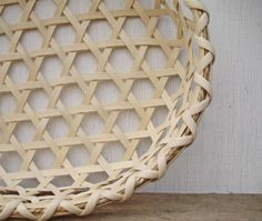 Shaker Cheese Basket  Handwoven by PACountryCrafts on Etsy, $25.00 Cheese Baskets, Shaker Style, Star Patterns, Accent Pieces, Creative Inspiration, Primitive, Hand Weaving, Manual, How To Make