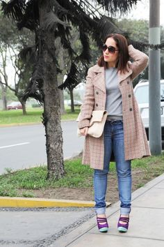 La Vida de Serendipity http://www.lavidadeserendipity.com/tag/my-look  Wearing a Benetton Coat, #LalaLoveShoes and a #Mondrina Bag