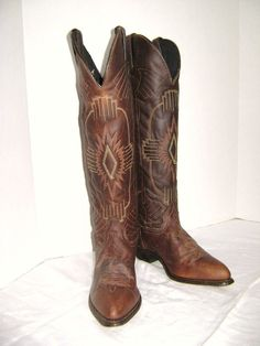 Cowboy boots New Old Vintage Durango Western Style by junquegypsy, $88.00 If only they werent so small :o(