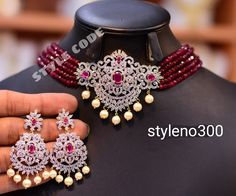 Gold Jewelry Simple, Simple Necklace, Gold Necklace, Indian Jewellery Design, Indian Jewelry, Jewelry Design, 1st Birthday Girl Dress, Chocker, Fashion Jewelry