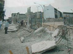 dit was er toen nog van over. De Berlijnse muur is volledig vernietigd door de mensen