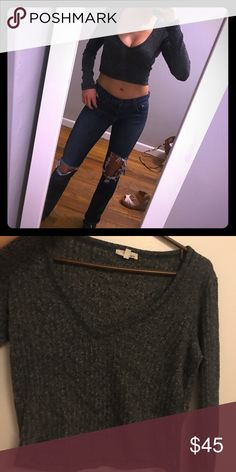 ARITZIA- Wilfred Free grey crop top! Worn a couple of times! In amazing condition Aritzia Tops
