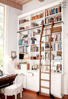 Ladder that bends to accommodate fireplace depth